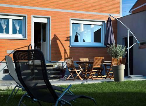 La Maison Orange : Guest accommodation near Grenay