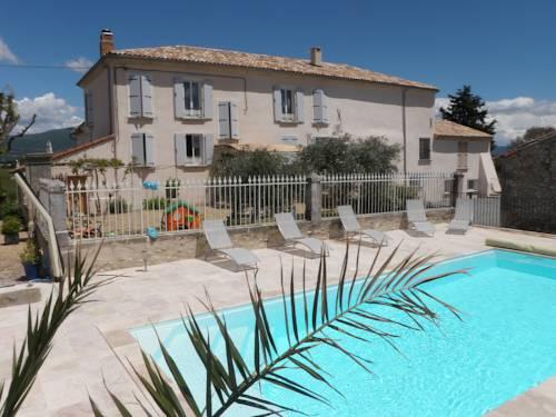 Maison d'hôtes Le Jas Vieux : Bed and Breakfast near L'Escale