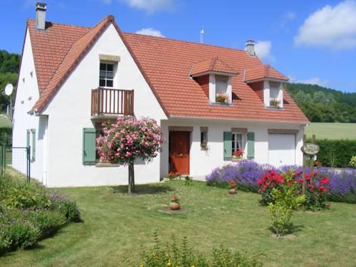La Bourgade : Bed and Breakfast near Alette