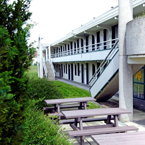Premiere Classe Lille Sud - Douai Cuincy : Hotel near Auby