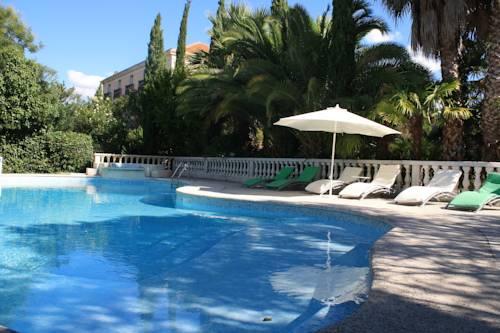 Hostellerie Saint Alban : Hotel near Valros