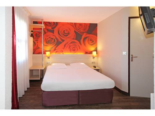 Hôtel Inn Design Resto Novo Montargis : Hotel near Ladon