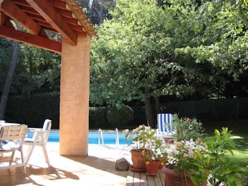 Maison Proche d'Aix-en-Provence : Guest accommodation near Fuveau