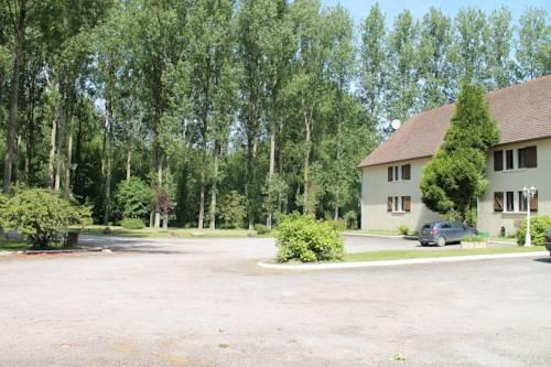 Hôtel La Peupleraie : Hotel near Colline-Beaumont