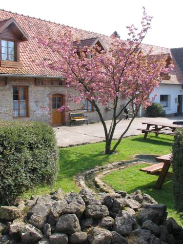 Auberge du Blaisel : Bed and Breakfast near Alincthun