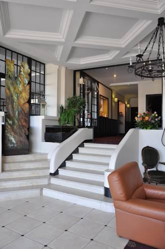 Hotel Bellevue : Hotel near Pocé-sur-Cisse