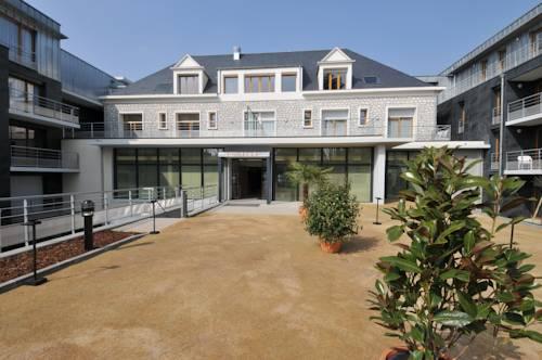 Domitys Le Parc de Vinci : Guest accommodation near Saint-Martin-le-Beau