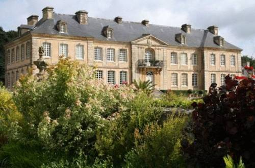 Chateau De Pont-Rilly : Guest accommodation near Sottevast