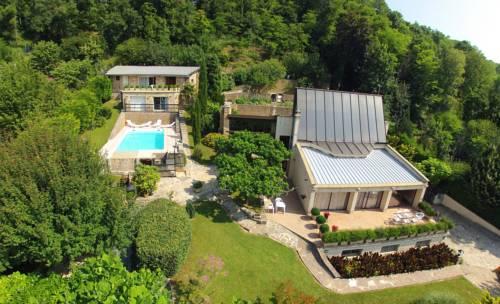 La Villa du Rhône : Bed and Breakfast near Miribel
