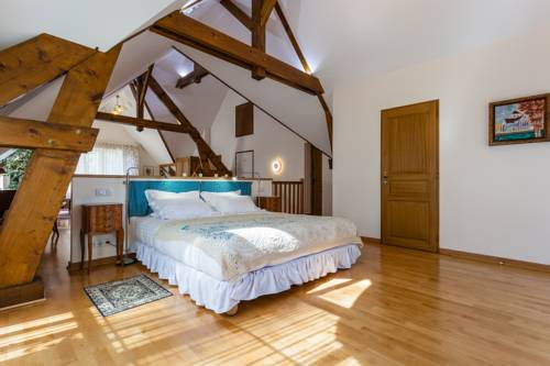 La Gueule Aux Loups : Bed and Breakfast near Saulchery