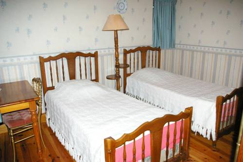 Chambres d'Hotes du Maine : Bed and Breakfast near Baneuil