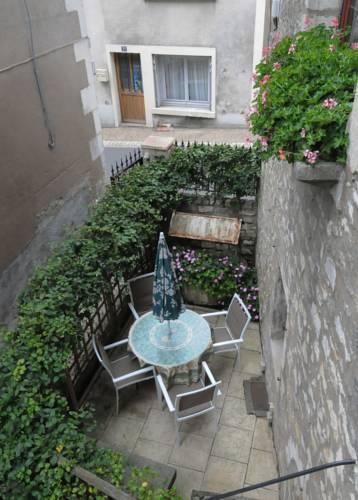 Studio Bardin : Apartment near Narcy