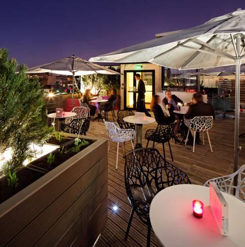 Courtyard by Marriott Paris Boulogne : Hotel near Marnes-la-Coquette