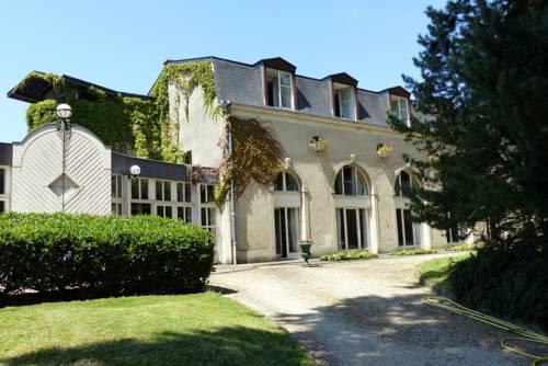 Château de Bazeilles : Hotel near Puilly-et-Charbeaux