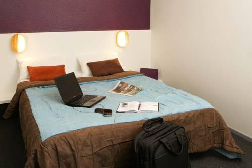 P'tit Dej-Hotel Mâcon Sud : Hotel near Cormoranche-sur-Saône