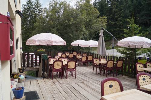 Hotel - Restaurant Le Blanchon : Hotel near Le Vernet
