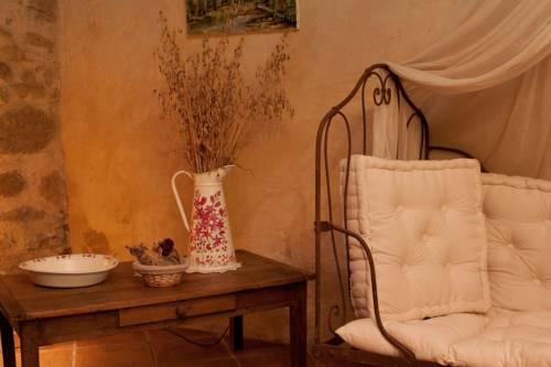 B&B La Ferme D'Enjean : Bed and Breakfast near Sarcos