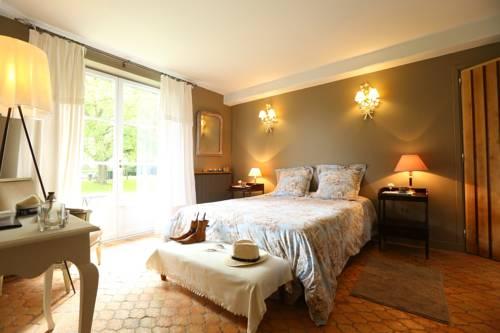 Le Clos de Bénédicte : Bed and Breakfast near Comines