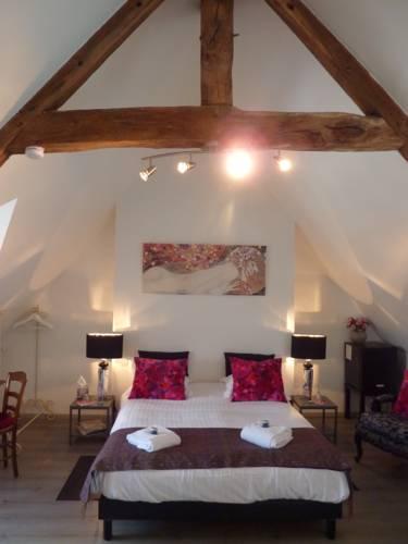 Maison d'Hôtes Les Belles de Mai : Bed and Breakfast near Pontorson