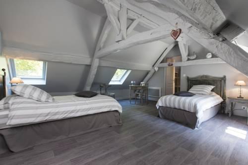 Le Clos Marigny : Guest accommodation near Bellegarde