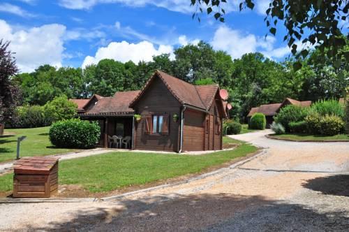 Les Chalets de Thegra : Guest accommodation near Lavergne