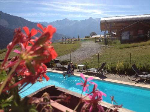 Mountainhotel Saint Roch : Hotel near Puy-Saint-Vincent