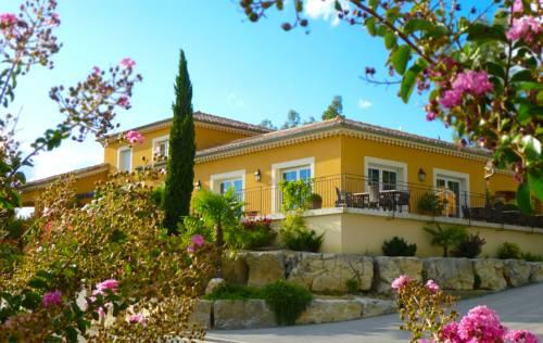 Les Villas du Vendoule : Guest accommodation near Rochecolombe