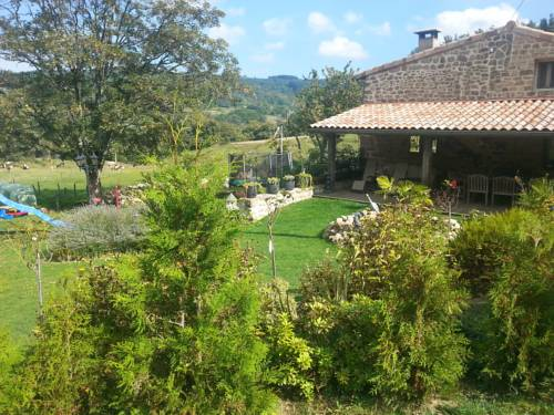 Chapois : Guest accommodation near Saint-Apollinaire-de-Rias