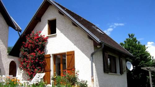 Les Jonquilles : Guest accommodation near Saint-Laurent-du-Pont