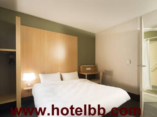 B&B Hôtel Lille Grand Stade : Hotel near Anstaing