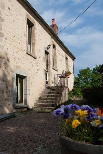 Hotel Camping Sur Yonne : Hotel near Achun