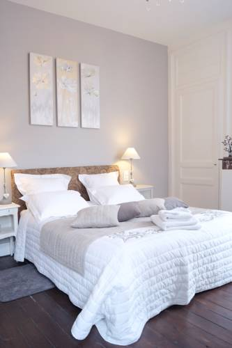 Chambres d'Hôtes- Lille aux Oiseaux : Bed and Breakfast near Lille