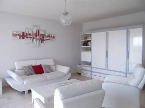 Petit Juas : Apartment near Cannes