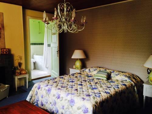 Mas des Baüs : Bed and Breakfast near Fillols