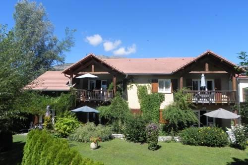 À la Petite Maison : Apartment near Lettret