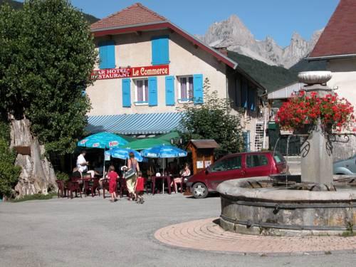 Hotel Le Commerce : Hotel near Saint-Julien-en-Beauchêne