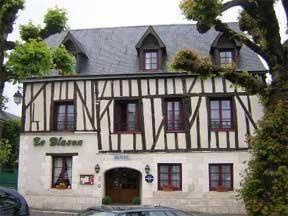 Hôtel Le Blason : Hotel near Pocé-sur-Cisse
