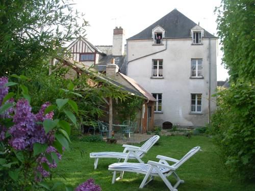 Gîtes du Puits Joli : Apartment near Pocé-sur-Cisse