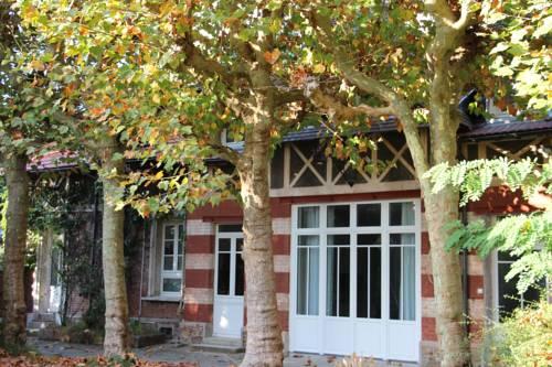 Les Hauts du Plateau : Guest accommodation near Bourg-la-Reine