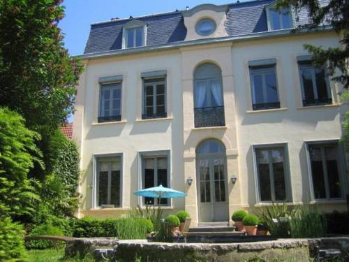 Où dorment les fées : Bed and Breakfast near Faches-Thumesnil