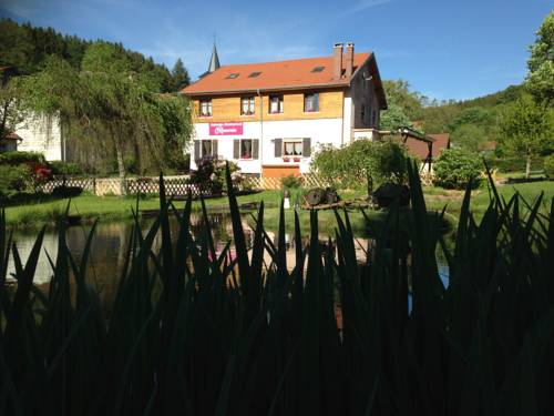 Auberge Restaurant La Roseraie : Guest accommodation near Saulxures