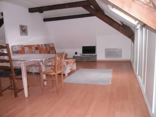 Residence Dachery : Apartment near Clastres