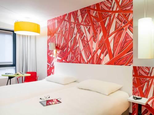 ibis Styles Paris La Défense Courbevoie : Hotel near La Garenne-Colombes