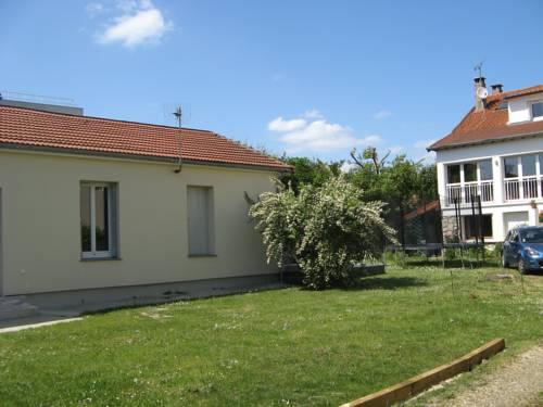 L'Abri-Gîte : Guest accommodation near Neuilly-Plaisance