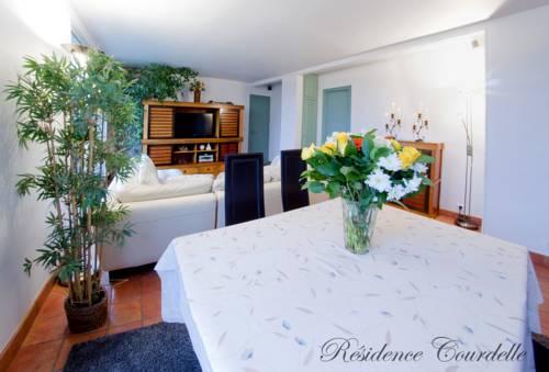 Résidence Courcelle : Guest accommodation near Asnières-sur-Seine