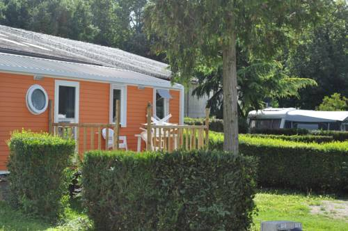 Camping Paris Beau Village : Guest accommodation near La Ville-du-Bois