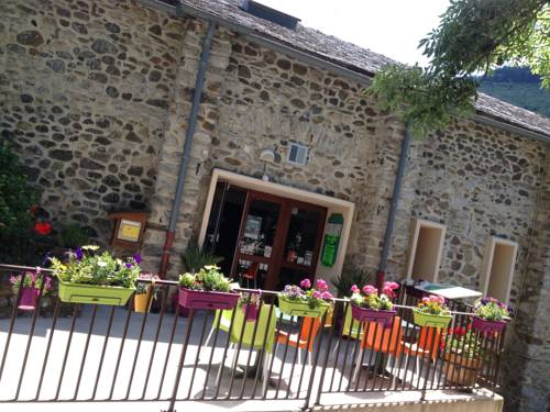 VVF Villages Brusque : Guest accommodation near Avène