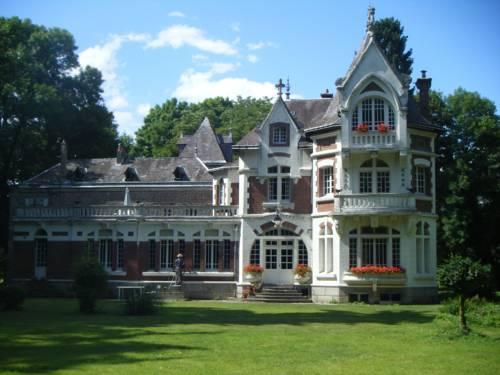 Chateau de Lucy : Guest accommodation near Mont-d'Origny