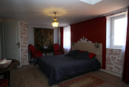 Les Chambres de Kimi : Bed and Breakfast near Lavoine