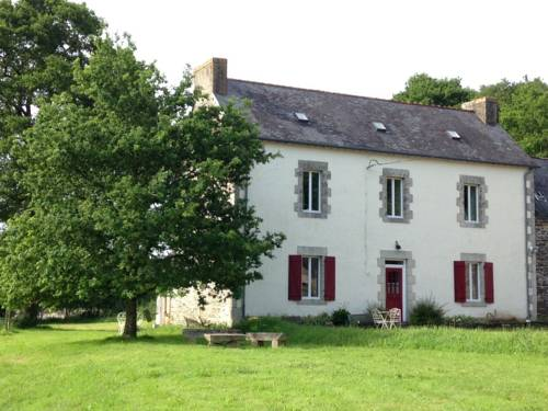 The Old Farmhouse : Bed and Breakfast near Laz
